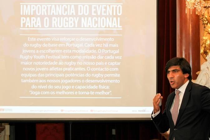 Créditos Carlos Rodrigues – Dr. António Cunha a apresentar o Festival de Rugby