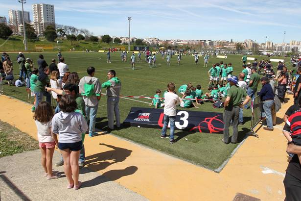 Créditos Carlos Rodrigues – Muito público presente a assistir aos jogos no PRYF 2015