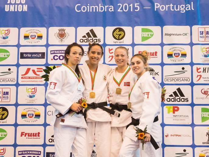 Créditos Rui Telmo Romão  FPJ  Pódio da categoria de -52 Kg com a Medalha de Ouro, Mariana Esteves